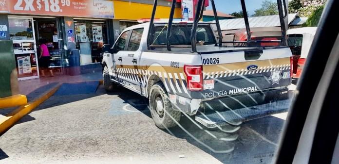 Policía de Chiapa, estacionada en zona de discapacitados bdf2ce2d 994b 48da bd4c 0caab9fd15f7