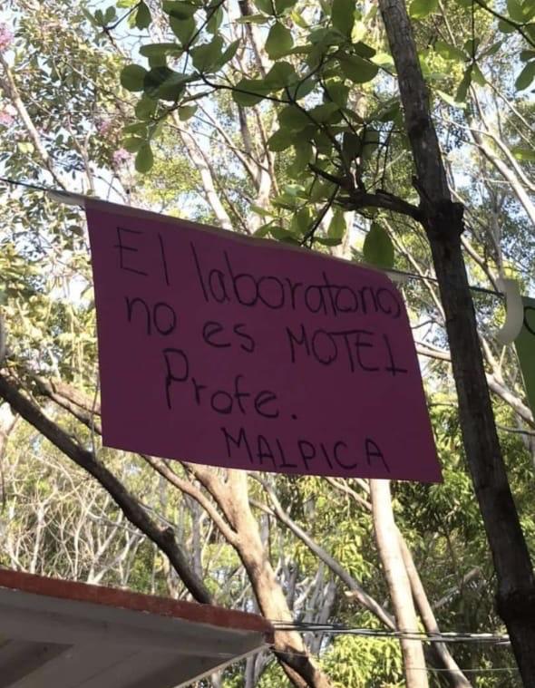 """Realizan """"Tendedero del Acoso"""" en Preparatoria 2, directivos tratan de ocultarlo. ab1e9999 7d2e 435f 9131 a62d5f83d97d"""