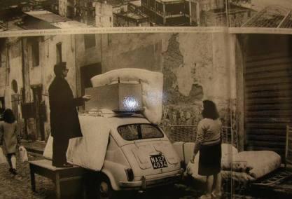 La fuga dal rione Terra nel 1970 il 2 marzo, a causa del fenomeno del bradisismo, e lo sciame sismico.