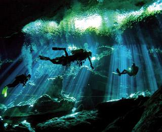 cenote-taj-maja-200903-ss