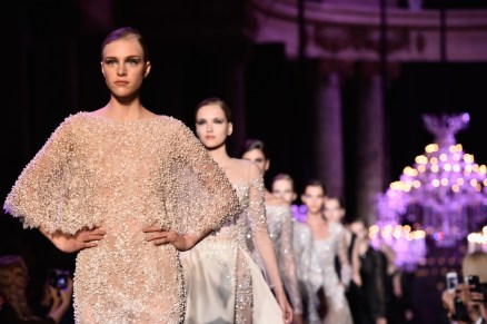 elie-saab-runway-paris-fashion-week-haute-couture-fall-winter-2014-2015-1
