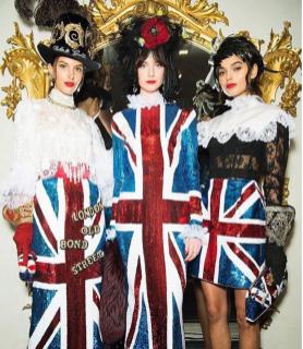 Sfilata nello store di Dolce & Gabbana a Londra in Old Bond Street