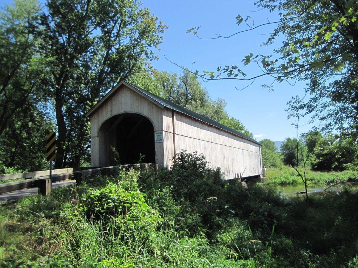 Lagos y puentes cubiertos en Vermont