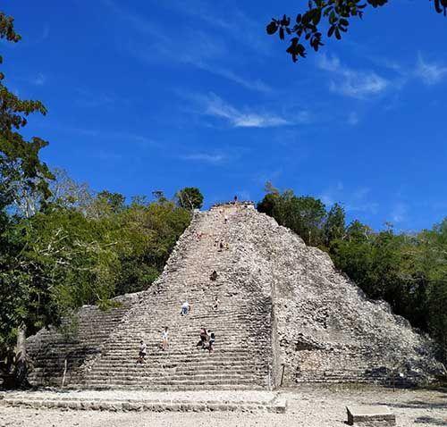 Zona arqueológica Cobá