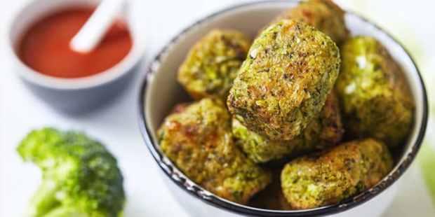 Broccoli_Tots-715x358