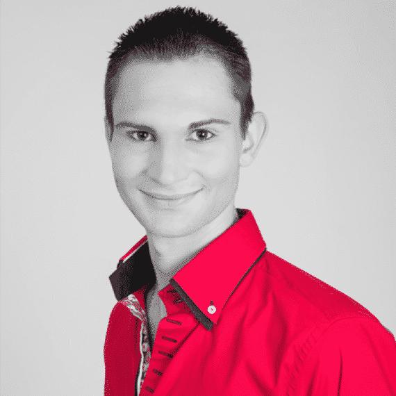 Alexandre Laigneau artiste magicien 400x400