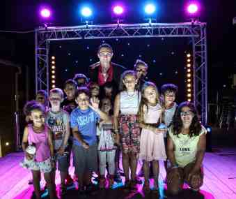 Camping gorge vent spectacle magie magicien