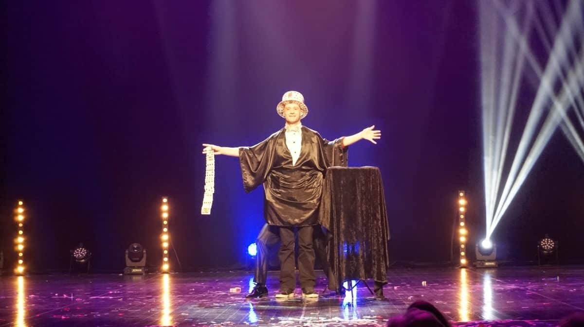 Stephane Lydo spectateur magicien
