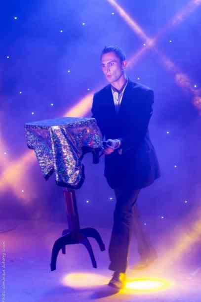 Table Volante Alexandre Laigneau Magic Express