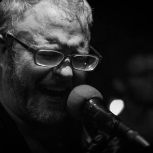 TJ sings - A photo by Alex Leonard