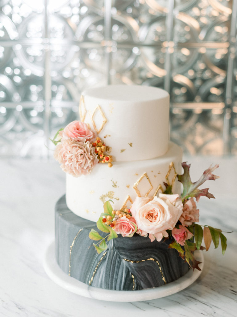 Romantic industrial wedding styled shoot with a feminine fall look designed by Alexa Kay Events and captured by Xsperience Photography. For more romantic wedding ideas visit alexakayevents.com!