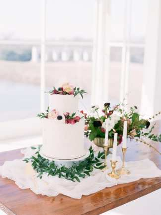 Get to know wedding cake designer Bella Noel Bakery on Alexa Kay Events. Find more Dallas Fort Worth wedding vendors at alexakayevents.com!