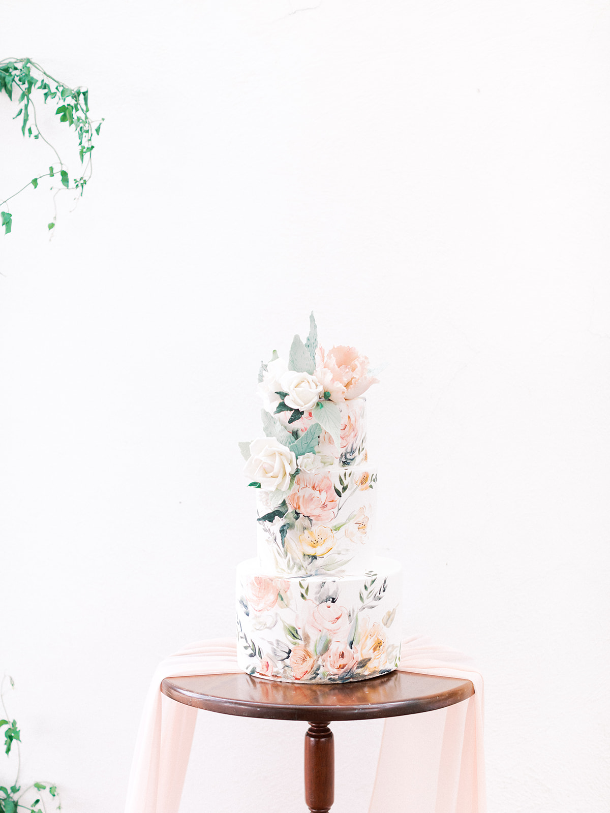 Hand painted wedding flowers: Beach Wedding Inspiration | Dominican Republic