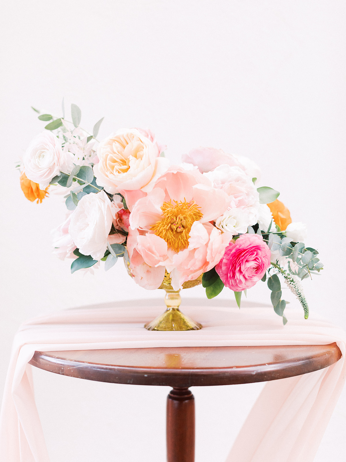 Pink and orange wedding centerpieces: Beach Wedding Inspiration | Dominican Republic