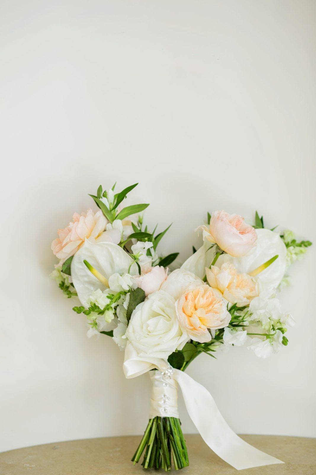 Wedding flower inspiration: Sophisticated and Chic wedding inspiration on Alexa Kay Events
