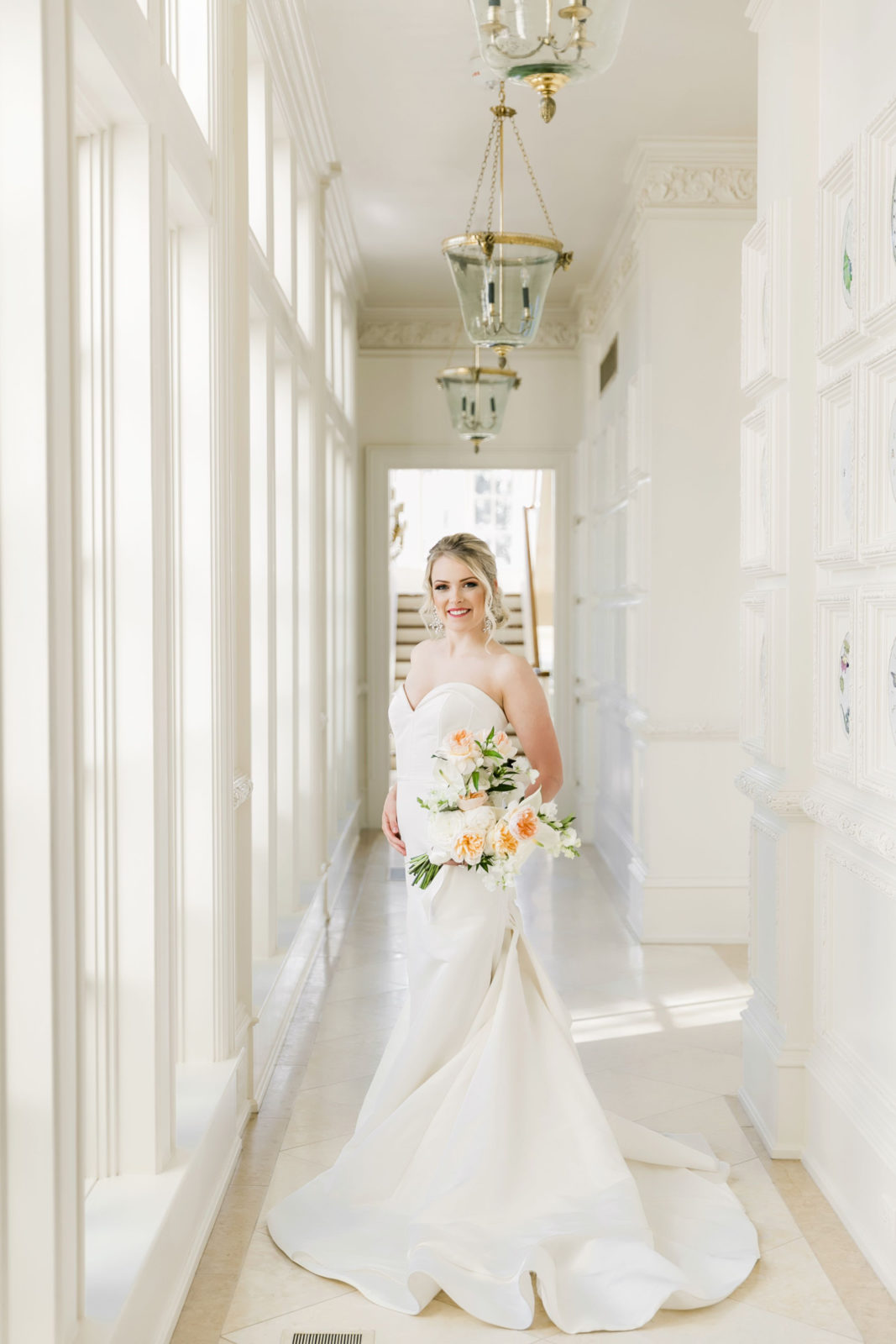 Bridal portrait: Sophisticated and Chic wedding inspiration on Alexa Kay Events
