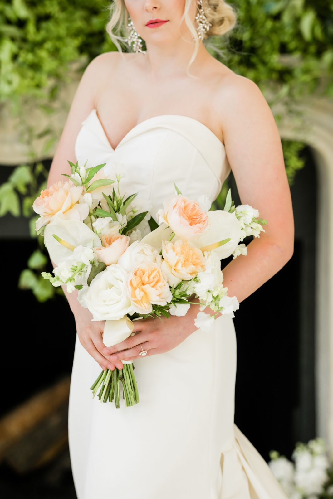 Luscious wedding bouquet: Sophisticated and Chic wedding inspiration on Alexa Kay Events