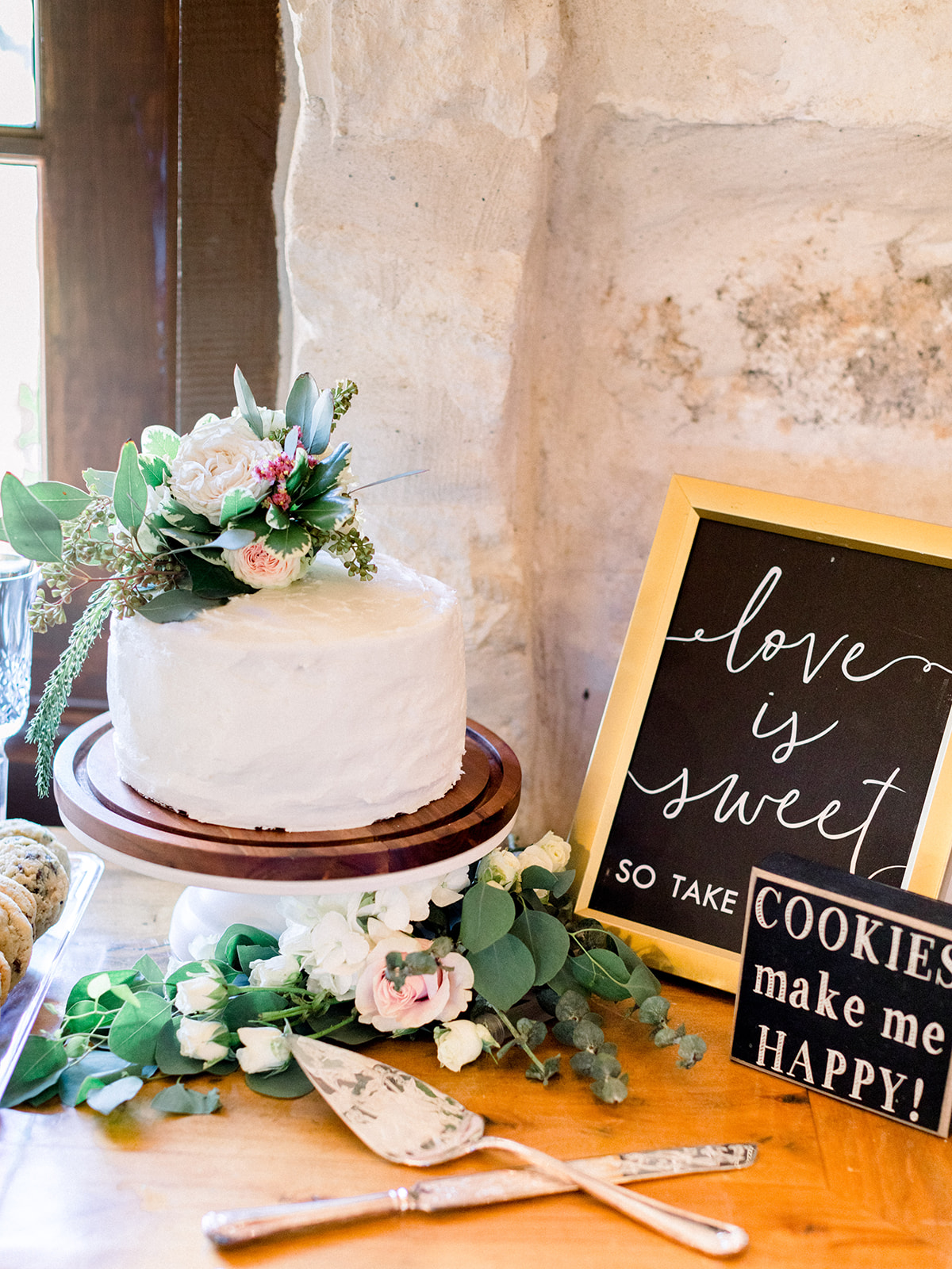 Simple wedding cake design: | Romantic blue Texas wedding at Spring Venue by Alexa Kay Events