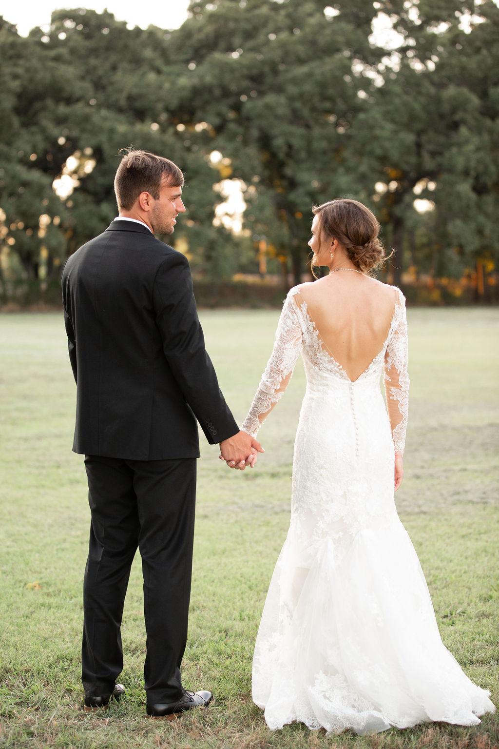 Dallas Fort Worth Wedding: Modern Minimalistic Wedding at The Emerson
