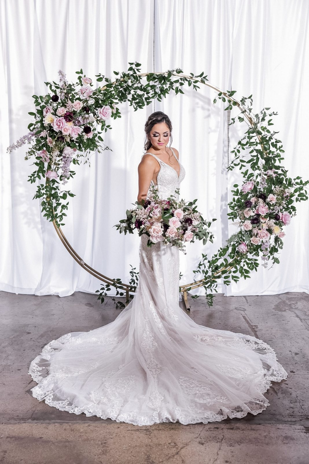 Circle Arch Wedding Ceremony Backdrop