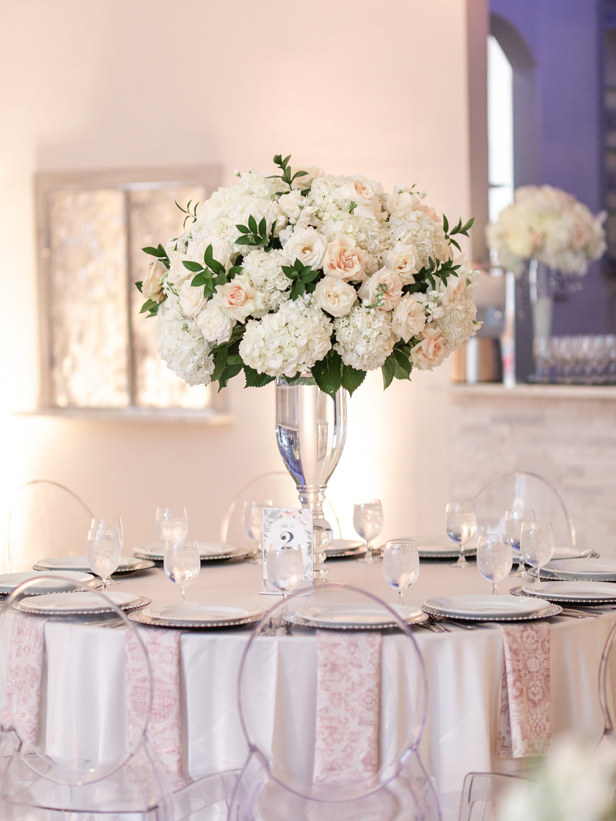 White and Pink Wedding Decor: Luxurious Knotting Hill Place Wedding