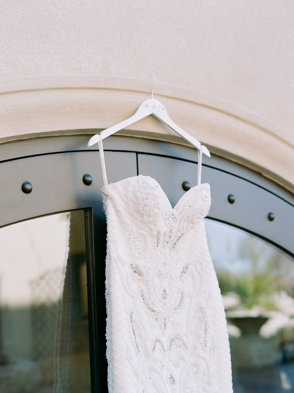 Sweetheart Neckline Wedding Dress: Luxurious Knotting Hill Place Wedding