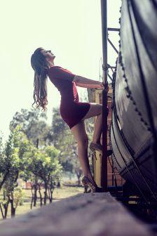 · Modelo: Karla León · Fotógrafo: Alex Alvarez