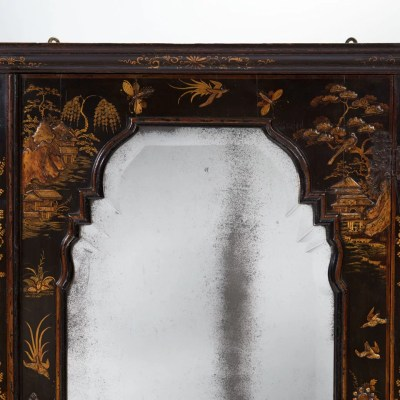 2-Queen-Anne-18th-century-Japanned-chinoiserie-corner-cupboard