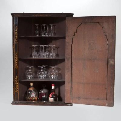 3-Queen-Anne-18th-century-Japanned-chinoiserie-corner-cupboard