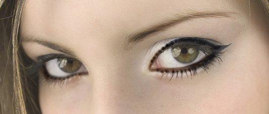 Flirten mit blickkontakt
