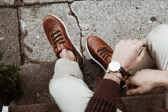 MODERN FOOTWEAR
