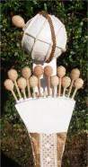 Terminação com bilros e criação de esfera armilar em papier mâché e corda.