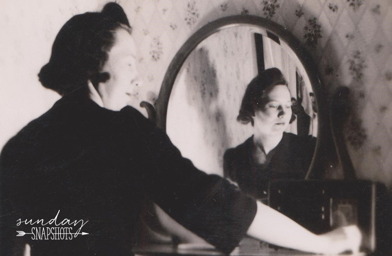 Cheers to our Nana! Glenna Self Portrait in the mirror, 1940s | Alex Inspired