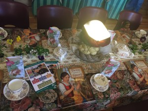 photo of Thérèse Makes a Tapestry themed table