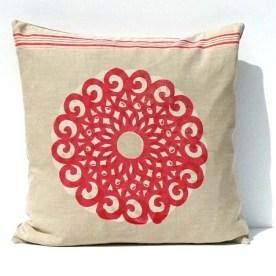Motiv Rosette: Dieses dekorative Ornament besticht durch seine Größe und Klarheit/ Flächigkeit.