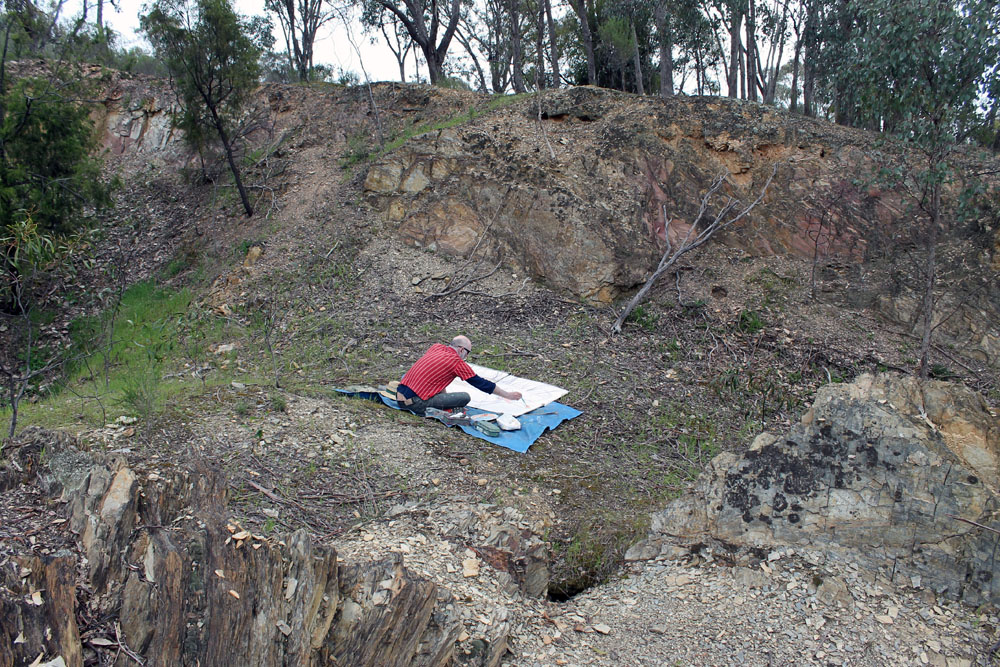 Mark Dober painting in the landscape at Castlemaine Diggings, Chewton. 2021