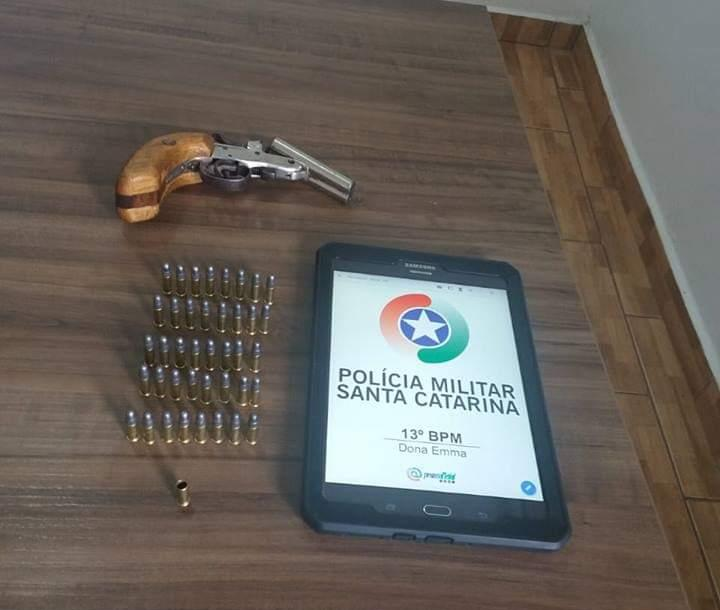 Arma e munição da vítima, apreendidos na quarta