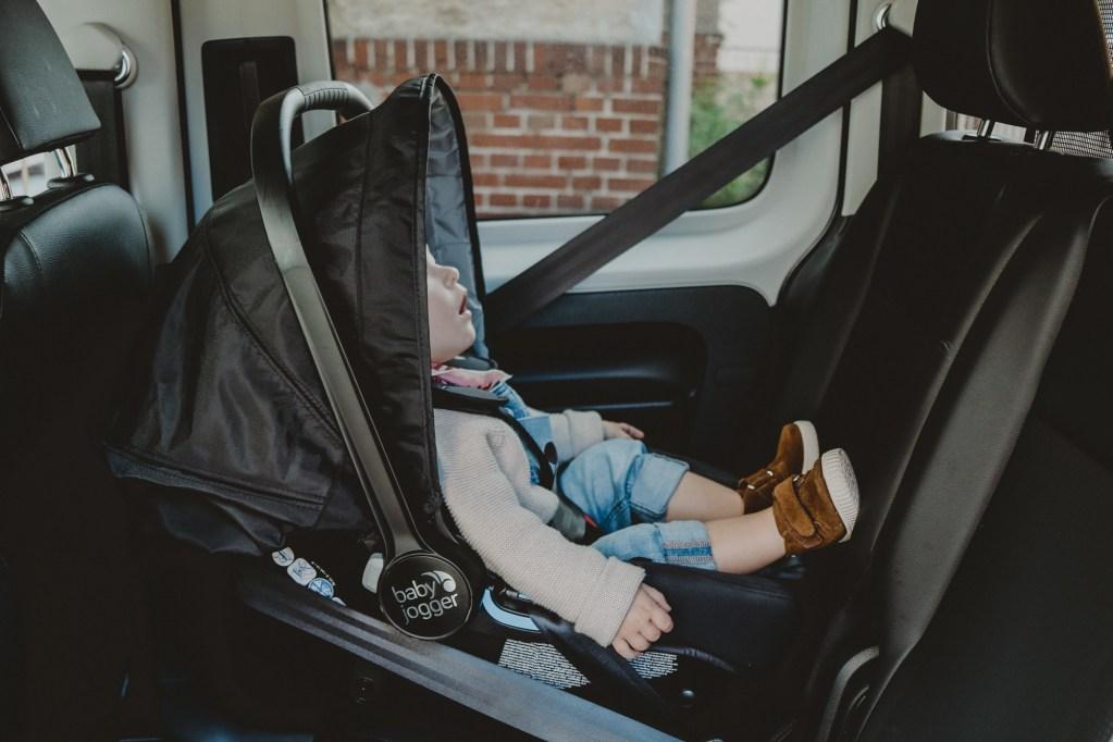 Im Test: City GO i-Size Autositz von Baby Jogger | Anzeige