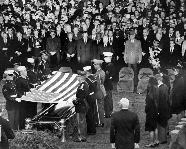 B mort JFK