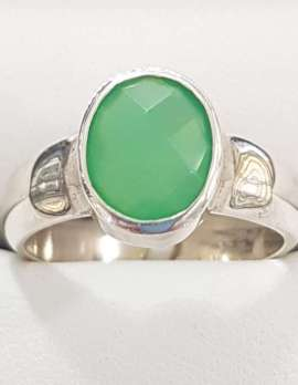 Oval jade silver ring