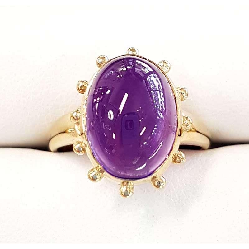 Large polished oval gold ring