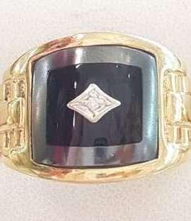 9ct Gold Onyx, Hematite / Iron Ore and Diamond Gents Ring
