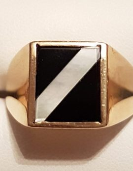 9ct Gold Rectangular Onyx with Mother of Pearl Stripe Gents Ring