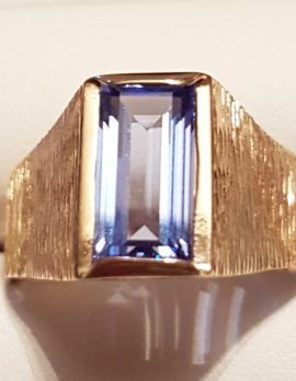 9ct Gold Tall Blue Stone Gents Ring