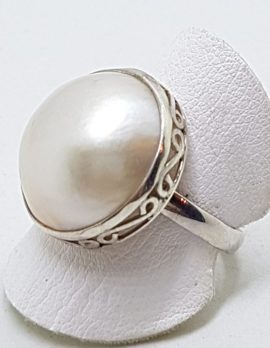 Sterling Silver Mabe Pearl Ornate Side Ring