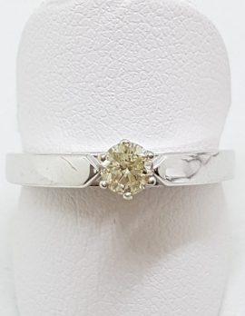 9ct White Gold Round Diamond Solitaire Ring