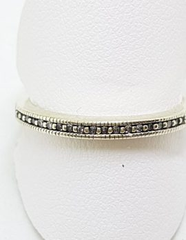 9ct White Gold Diamond Delicate Wedding/Eternity Band Ring
