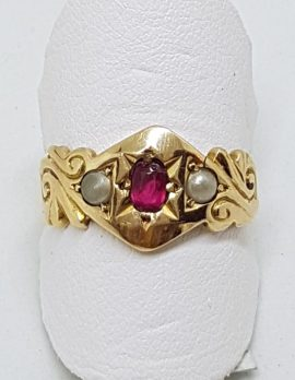 15ct Yellow Gold Natural Ruby & Seedpearl Ring