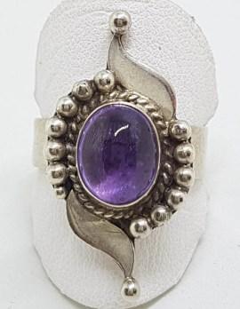 Sterling Silver Cabochon Amethyst Ornate Twist Ring