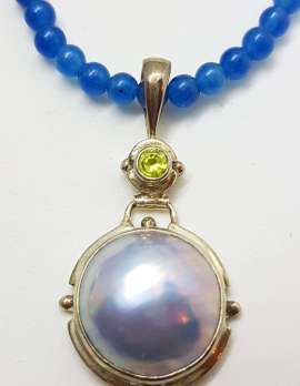 Sterling Silver Blue / Grey Mabe Pearl with Peridot Pendant on Blue Agate Bead Necklace Chain